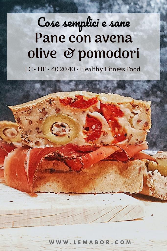 pane con farina di avena olive e pomodorini